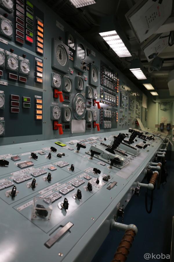 21 観艦式2015 操縦室