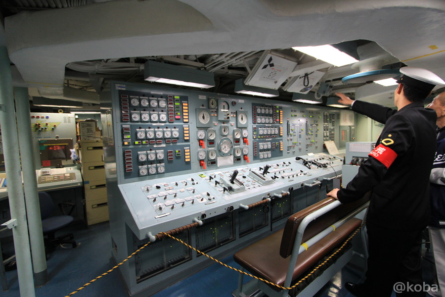 20 観艦式2015 操縦室