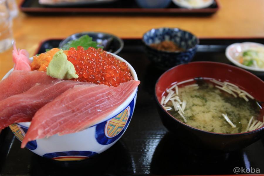 03三色丼 1,300円 千葉 銚子市 浜めし