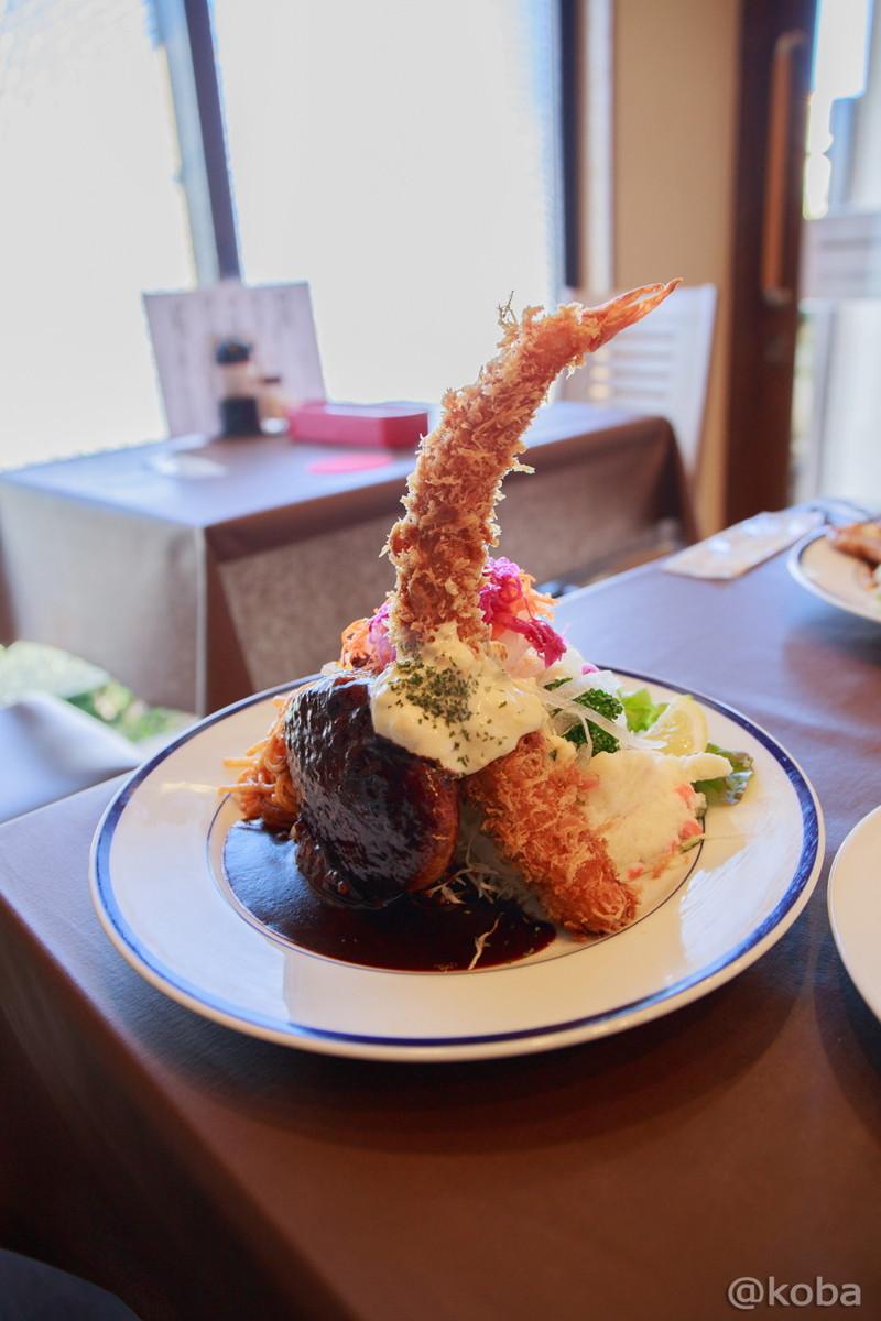 ハンバーグステーキとエビフライの盛り合わせ 立石 洋食工房ヒロ│こばフォトブログ