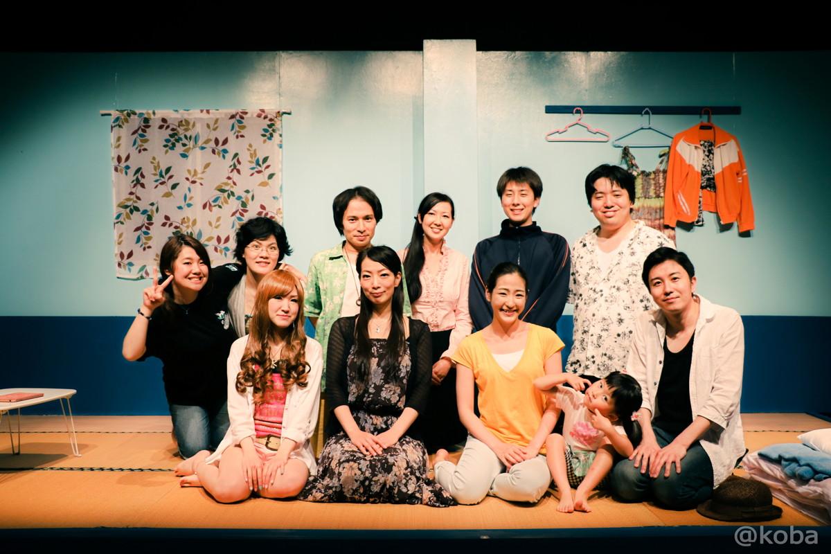 48劇団蝶能力第8回公演「初心者マークの外し方」 舞台稽古(ゲネプロ) 集合写真