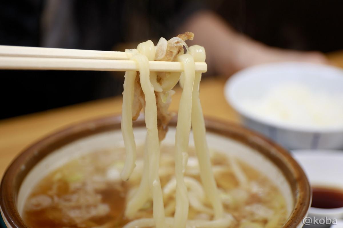 かすうどんの写真 ランチタイム│東京 立石 四ツ木製麺所(よつぎせいめんじょ)うどんのお店
