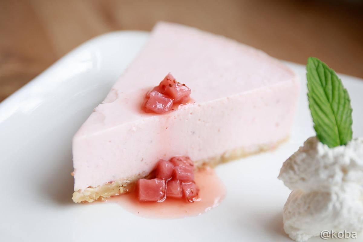 季節のデザート イチゴのレアチーズケーキ│cafe マチノ木(まちのき)│カフェランチ│東京│新小岩ブログ