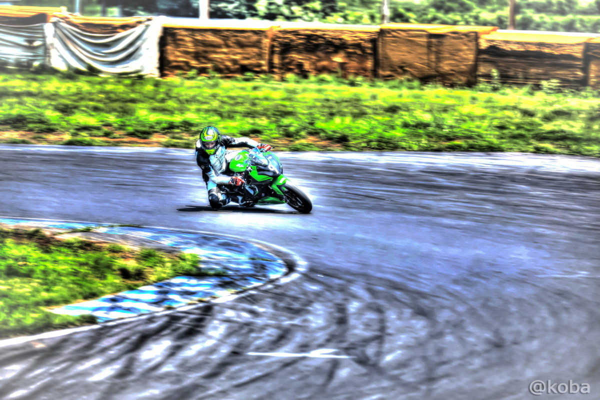 【茨城 つくば】筑波サーキット コース1000 ST250│HDR画像 乗り物 バイク│F値5.6 1/125秒 ISO-100│こばフォトブログ
