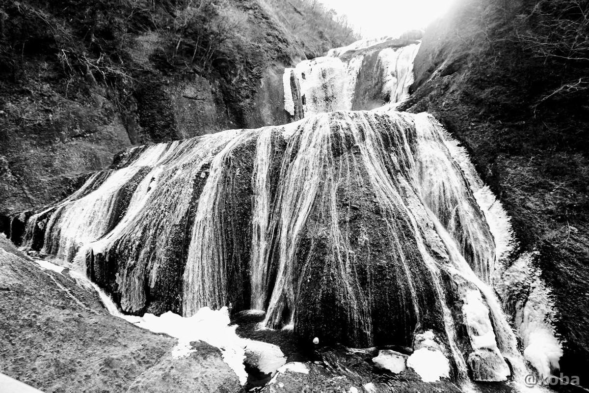 半分凍っていた滝│袋田の滝(ふくろだのたき)│日本三大名瀑│茨城県久慈郡大子町│こばフォトブログ