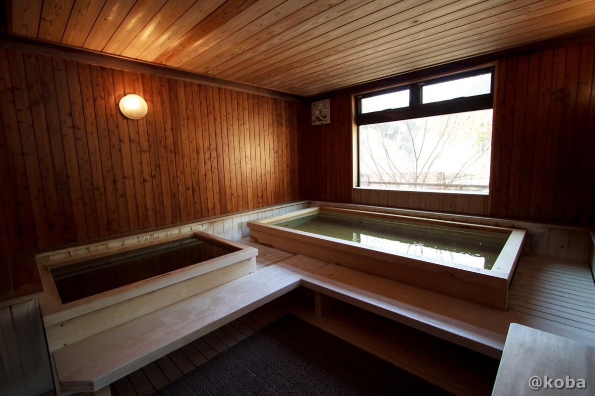 内湯 浴槽は、全てかやの木です。│柴原温泉 かやの家(しばはらおんせん かやのや)│日本秘湯を守る会会員の宿│埼玉県秩父郡│こばフォトブログ@koba EOS Kiss X5