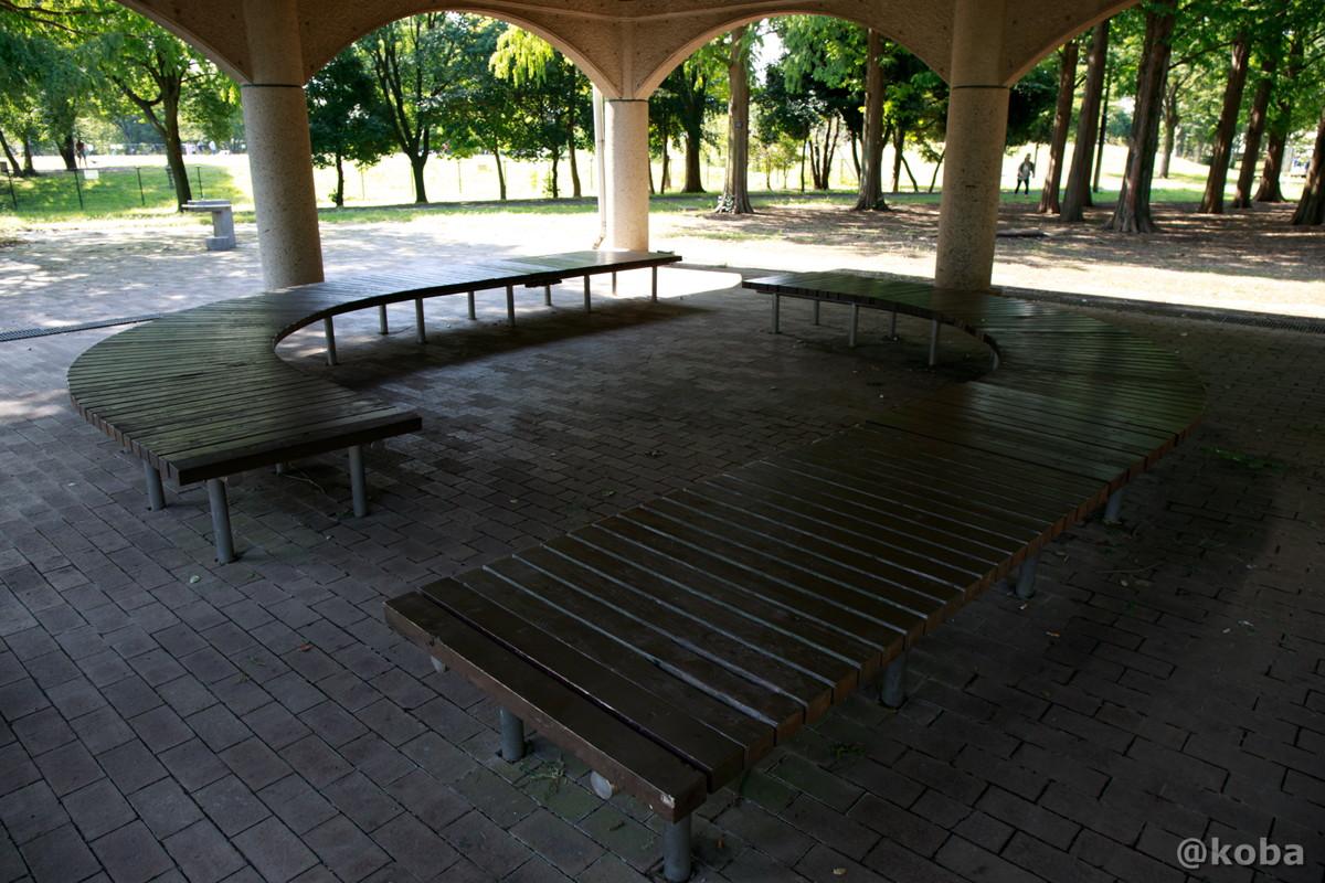 休憩所のベンチ │水元公園│こばフォトブログ@koba