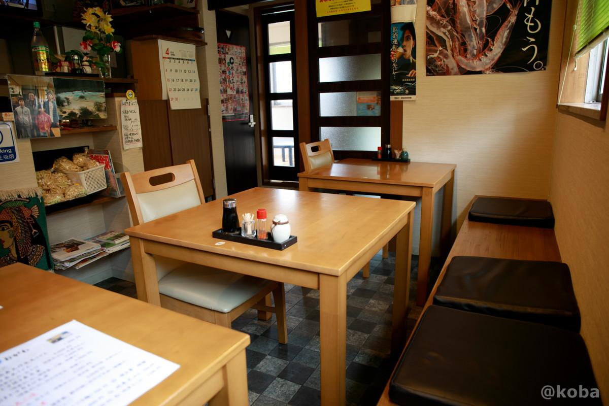 内観 テーブル席│小川屋食堂(おがわやしょくどう)│氷見うどん海鮮料理・和食│滑川市│こばフォトブログ@koba