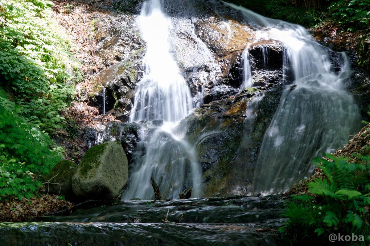 縁結びの滝 寄りの写真│みなかみ町猿ヶ京温泉│群馬県