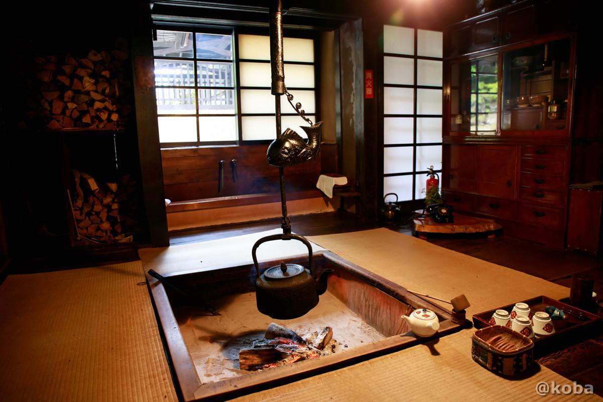 囲炉裏 玄関ホール横 法師温泉 長寿館 ほうしおんせん ちょうじゅかん みなかみ町永井 群馬県