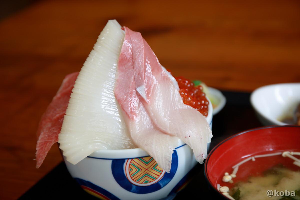 大トロ入り五色丼の写真 浜めし(はまめし) 食事処 海鮮丼 銚子 ブログ