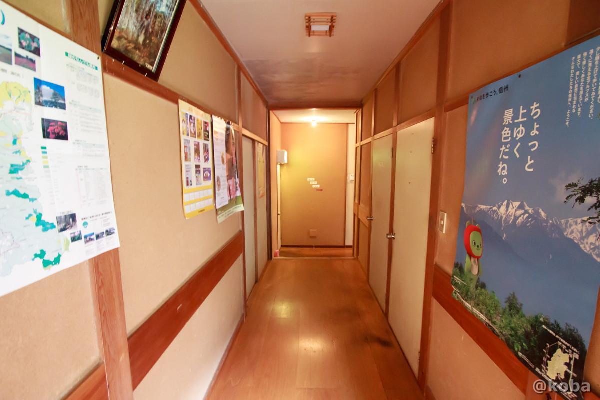 廊下の写真 稲子湯旅館 温泉 いなごゆおんせん 日帰り入浴