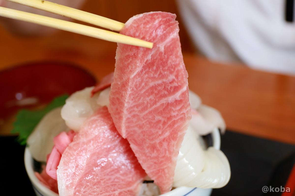 五色丼 マグロ 大トロ大きい! 浜めし(はまめし) 食事処 銚子 ブログ