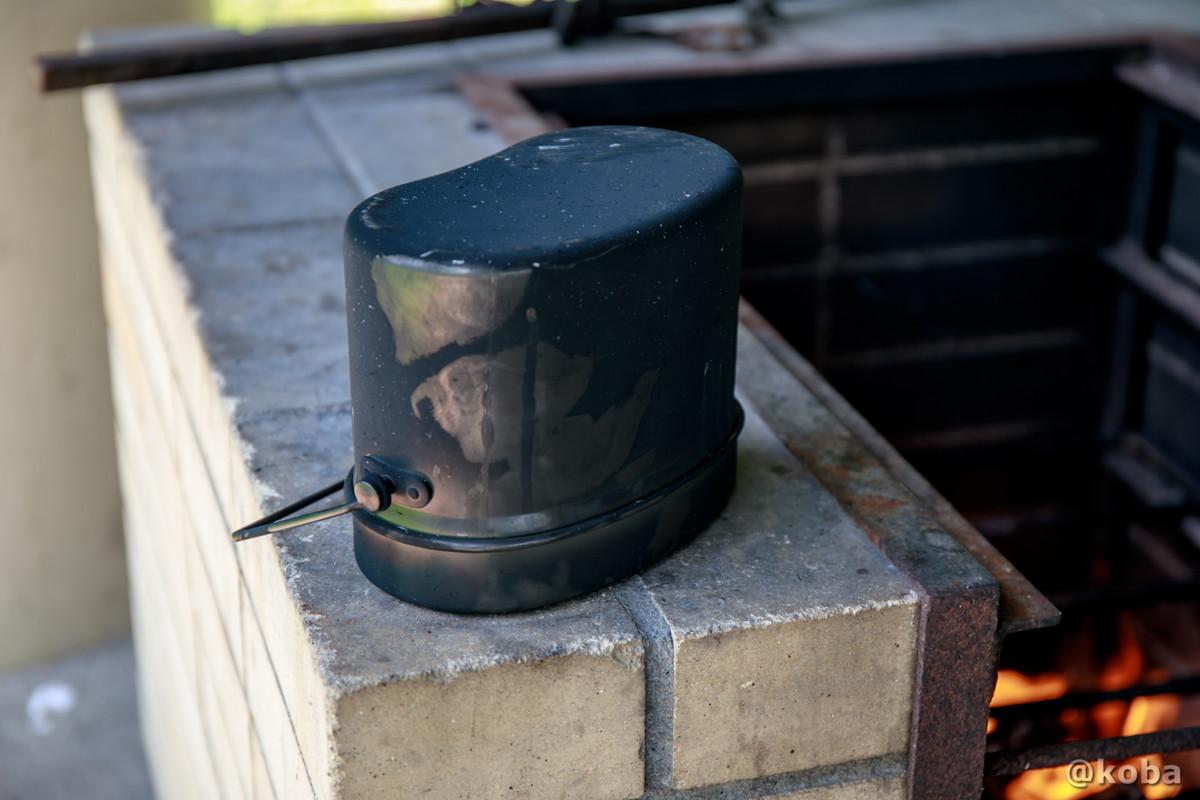 逆さにして約10分ほど蒸らす 飯盒炊飯 炉の使い方