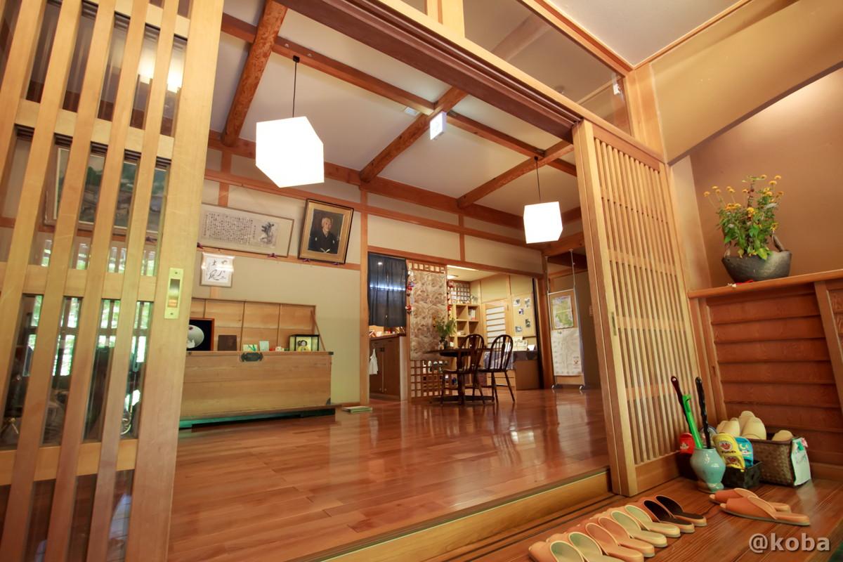 玄関の写真 内山峠 初谷温泉(うちやまとうげ しょやおんせん) 長野県佐久市 日本秘湯を守る会