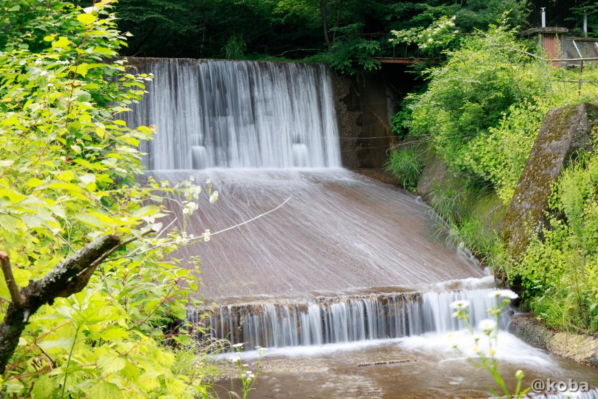 川と滝の写真 内山峠 初谷温泉(うちやまとうげ しょやおんせん) 長野県佐久市 日本秘湯を守る会
