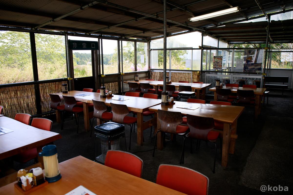 内観 テーブル席の写真 そば処たかさわ 蕎麦ランチ 食事処 長野県 ブログ