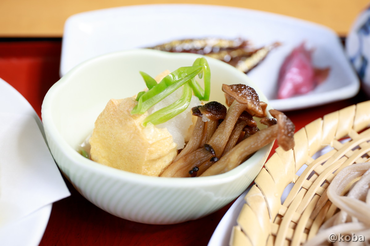 小鉢 厚揚げとシメジの写真 そば処たかさわ 蕎麦ランチ 食事処 長野県 ブログ