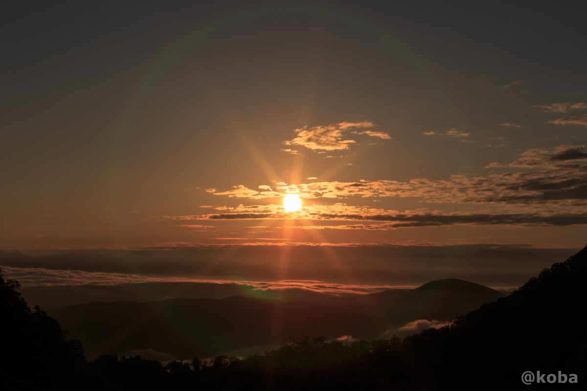 雲海と日の出の写真 燕温泉 樺太館(つばめおんせん からふとかん)新潟県 妙高市