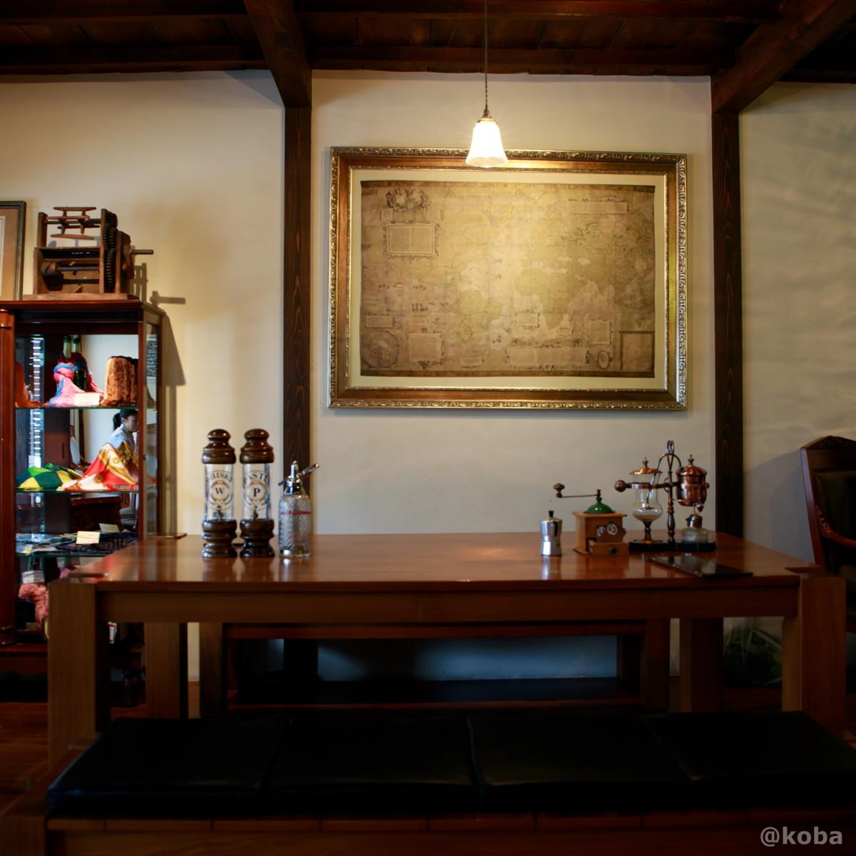 内観 テーブル席│カフェ・ドローム(CAFE・DROME)│群馬県富岡市