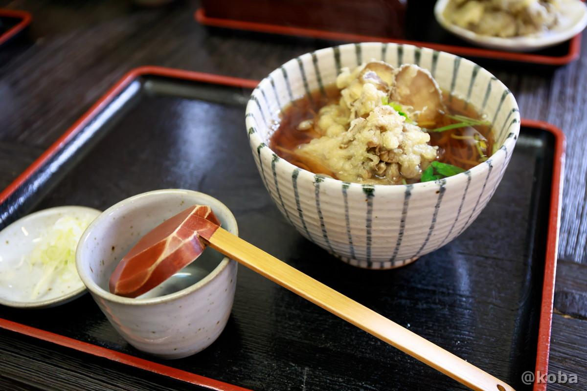 まいたけ天ぷらそば 900円 (あたたかい蕎麦)の写真│そば処 六合 野のや(くに ののや)│和食 蕎麦│群馬 吾妻郡中之条町 ブログ