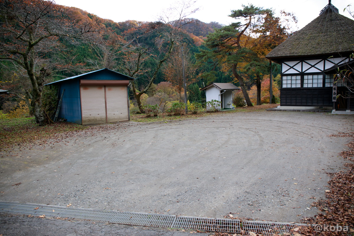 駐車場の写真│牧水会館(ぼくすいかいかん)旧大石学校│群馬県 ブログ