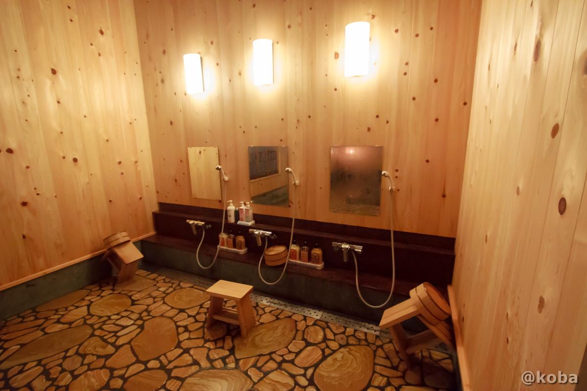 シャワーの水圧がとても良い洗い場の写真│たんげ温泉 美郷館(みさとかん)│群馬県 吾妻郡