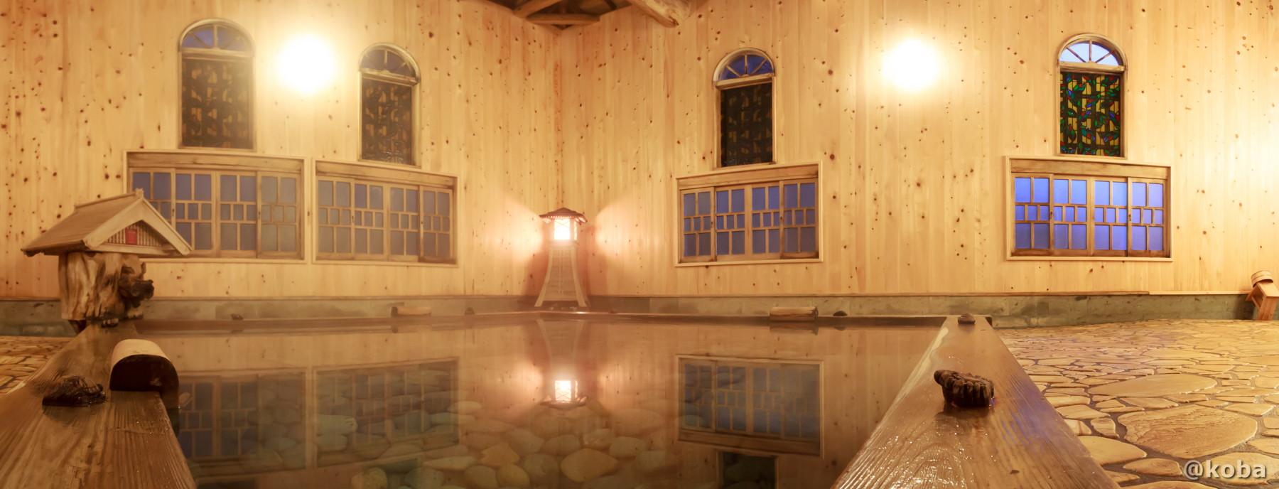 内湯 総檜風呂、パノラマ写真│たんげ温泉 美郷館(みさとかん)│群馬県 吾妻郡