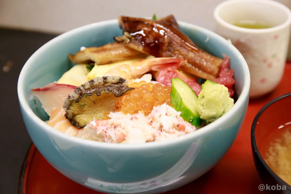 特上海鮮丼 味館食堂(みたてしょくどう)