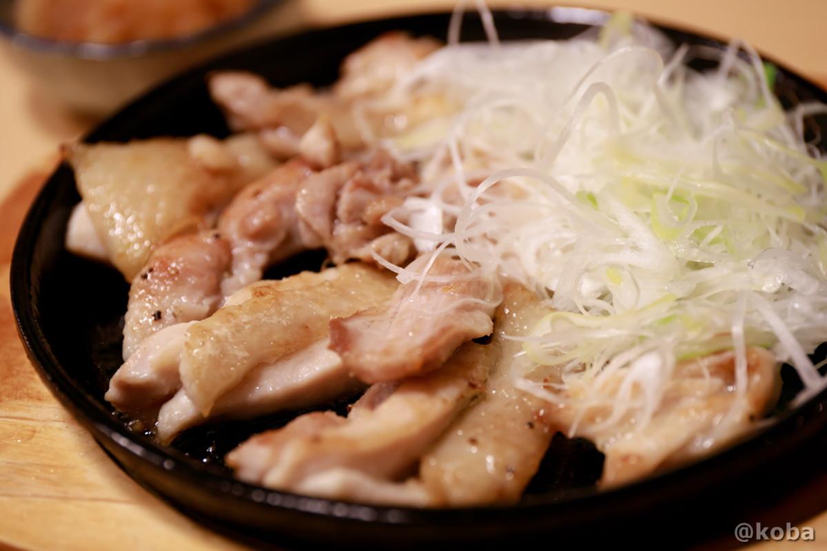 鳥鉄板の写真|大衆酒蔵 鳥益(とります)焼鳥・居酒屋|東京都葛飾区・新小岩