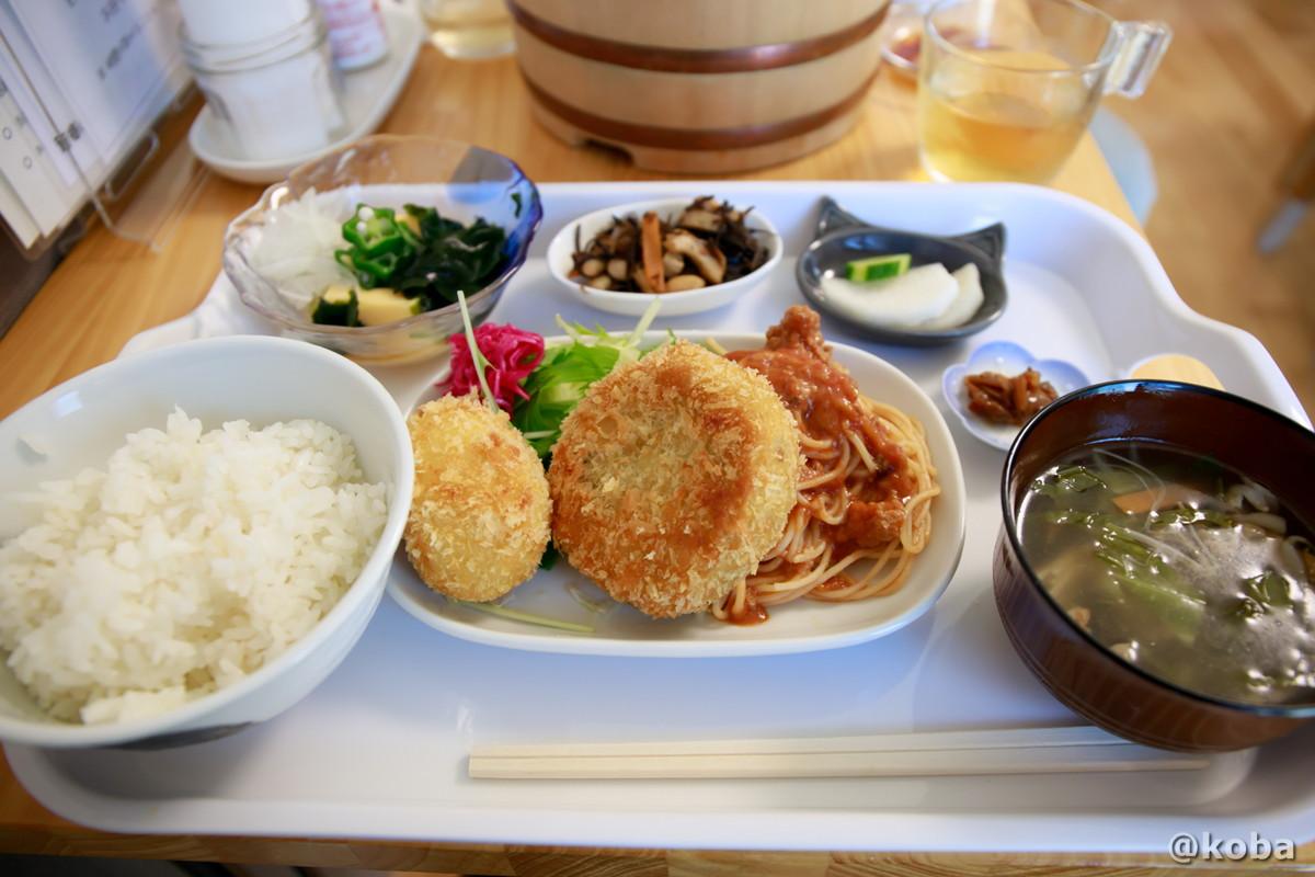 そらのコロッケ定食の写真|そらのすぷーん 定食屋|東京都葛飾区・奥戸