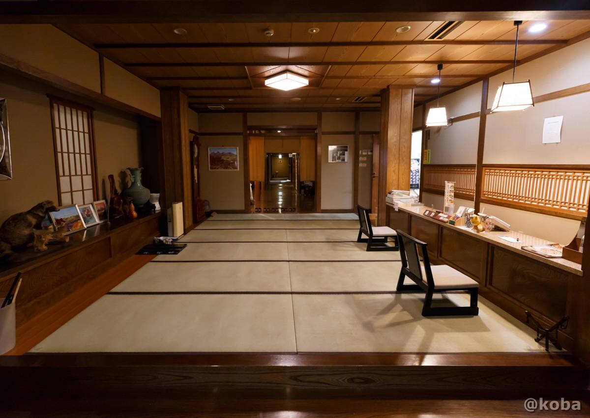 玄関ホールの写真|滝沢温泉 滝沢館|日本秘湯を守る会|群馬県