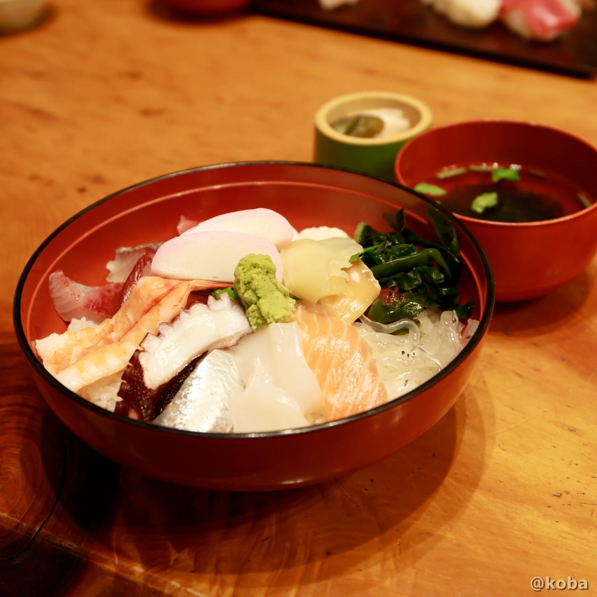 海鮮丼(お吸い物 香の物)1,100円の写真|玉寿司(たまずし)和食ランチ|東京都葛飾区・新小岩|こばブログ