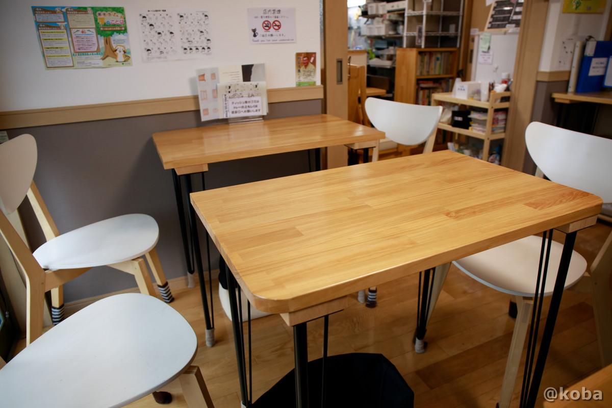 内観 2人テーブル席の写真|そらのすぷーん 定食屋|ランチ|東京都葛飾区・奥戸・JR新小岩駅|こばブログ