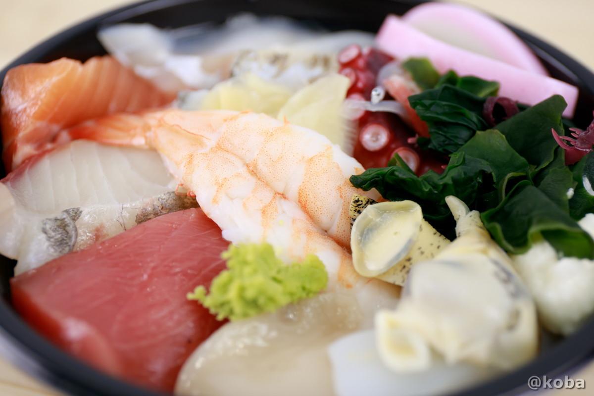海鮮丼 寄りの写真|玉寿司(たまずし)テイクアウト ランチ|東京都葛飾区・新小岩|こばフォトブログ