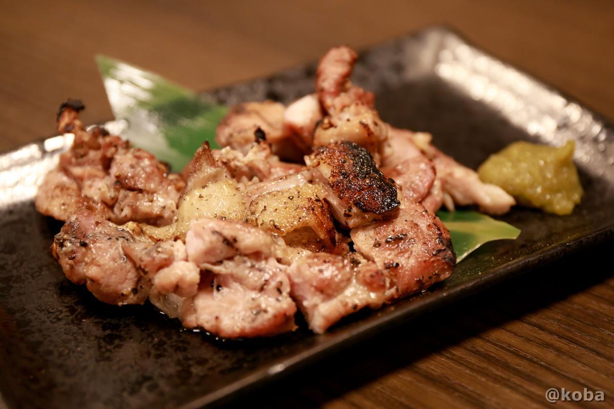 鶏のもも炭火焼の写真 彩波(いろは)居酒屋 東京都葛飾区・新小岩 こばフォトブログ